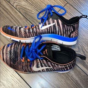Nike size 5 women's nike free running shoe
